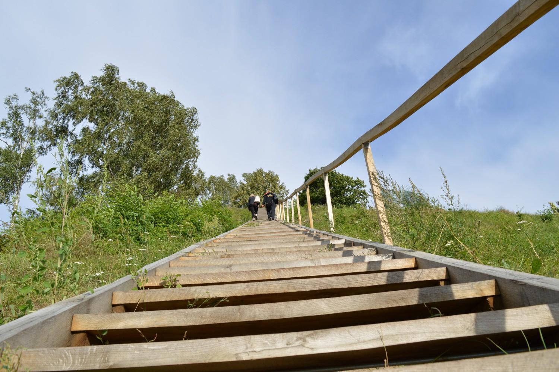 laiptai į Merkinės piliaklanį