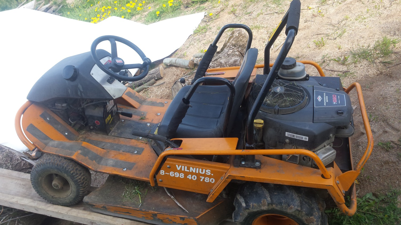 Enduro žoliapjovė traktorius