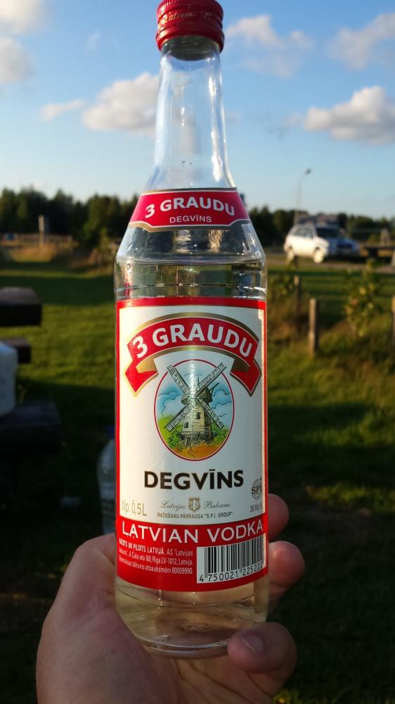 Latviška degtinė