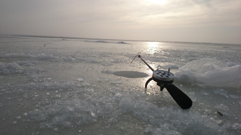 Žvejyba ant ledo Kuršių Mariose