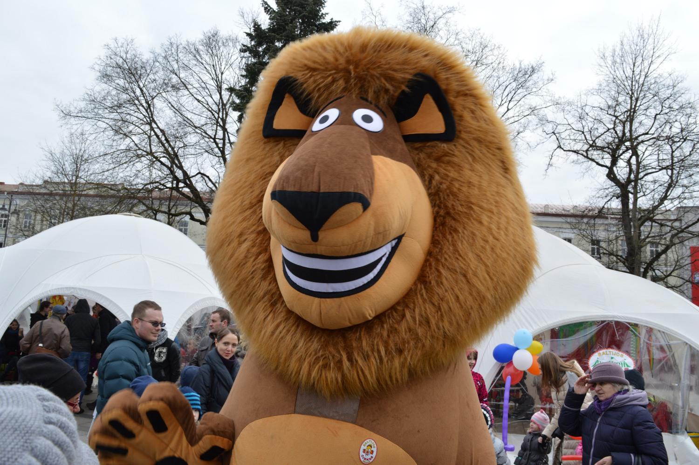 Didelis pliušinis liūtas