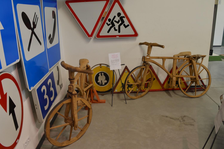Mediniai dviračiai