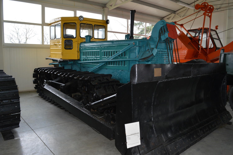 Buldozeris T180