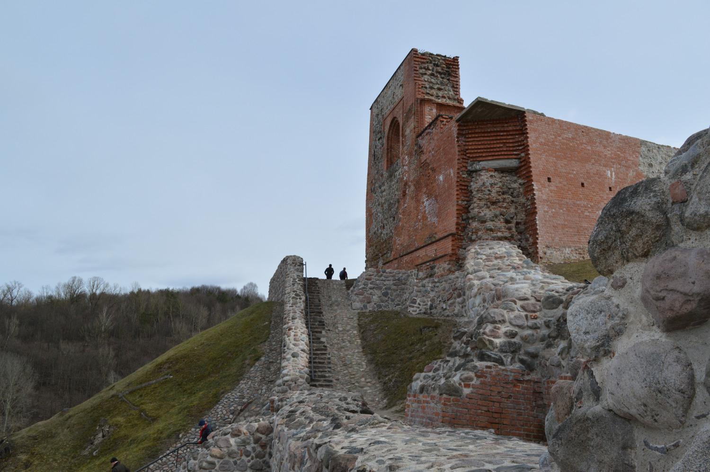 Laiptai lipant ant gynybinės Gedimo pilies sienos