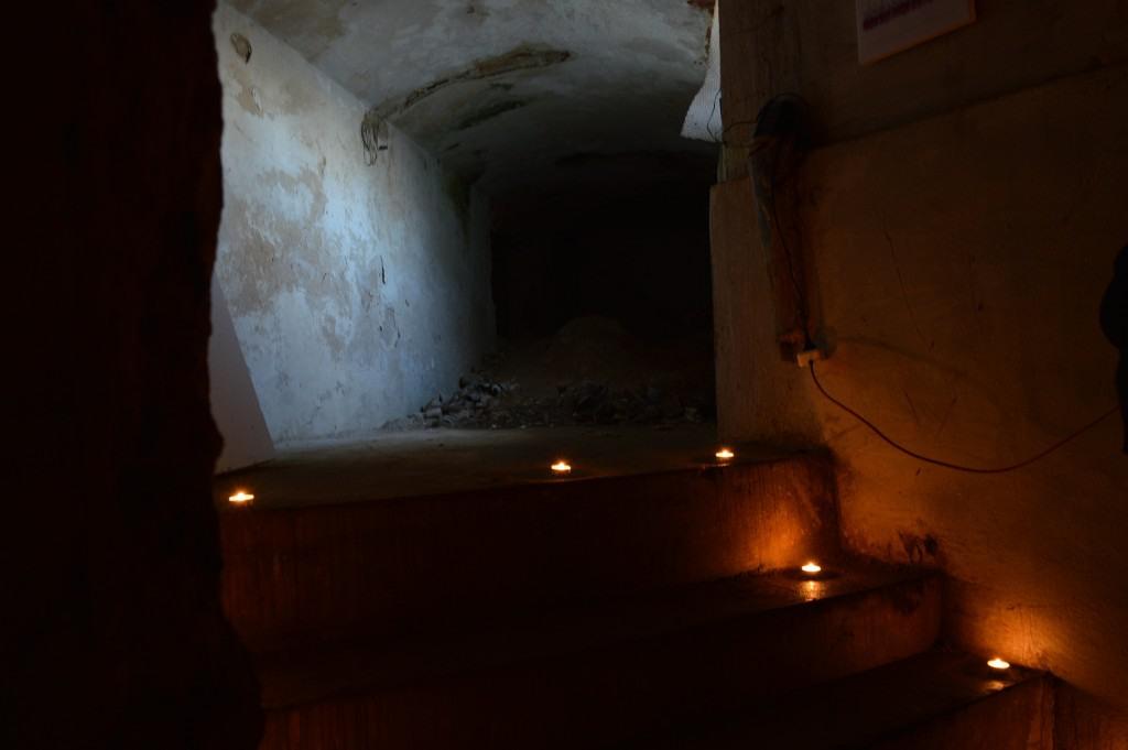 """Požeminės Trakų vokės dvaro požeminės patalpos, kur šiandine sklido """"Požeminiai skatiniai VI"""""""