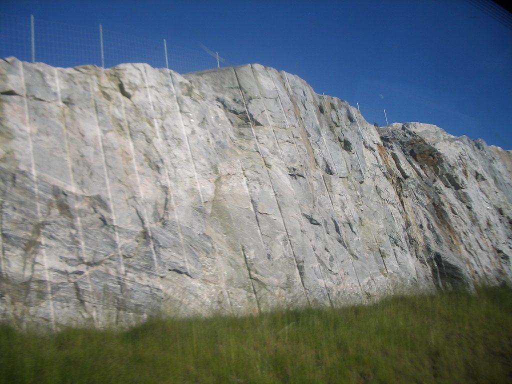 akmens tvora