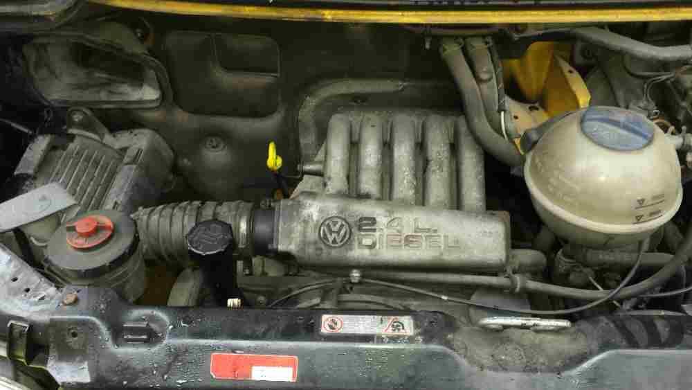 T4 variklis