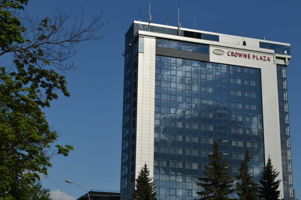 Crowne plaza viešbutis šalia Vingio parko