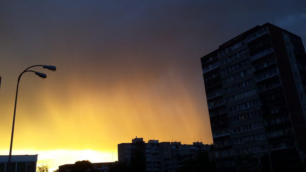 Geltonas dangus