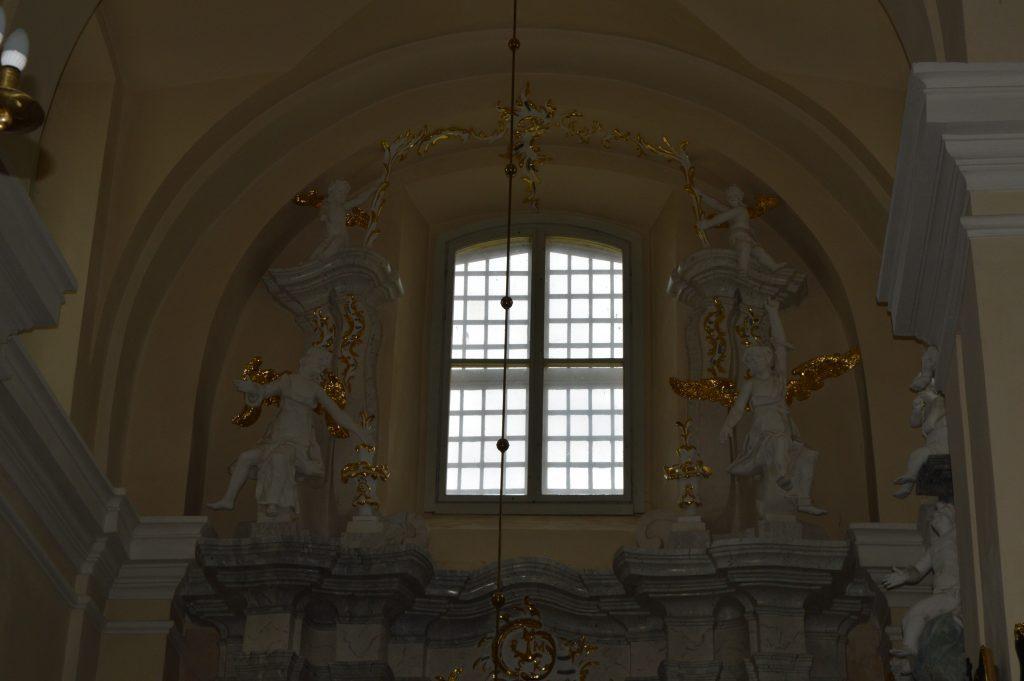 bažnyčios langas