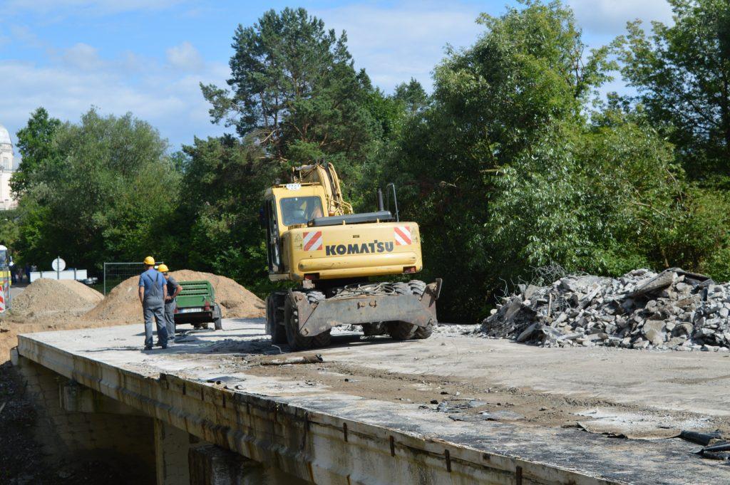 Liškiavos tilta remontuoja su Komatsu