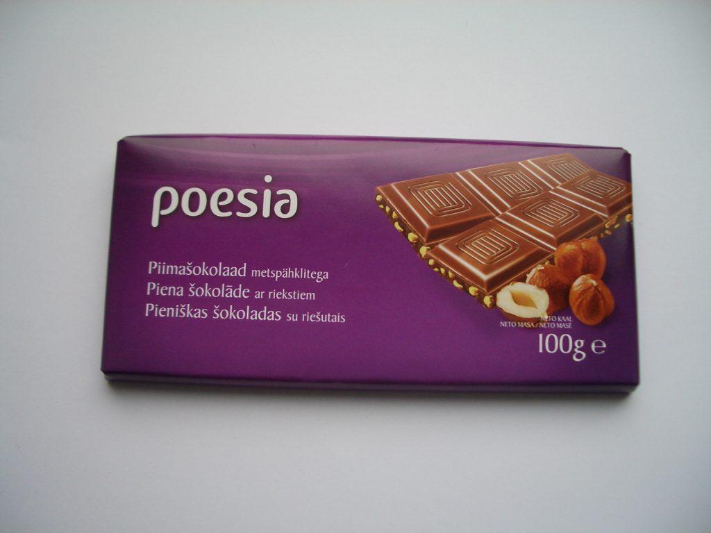 Pieniškas šokoladas su riešutais