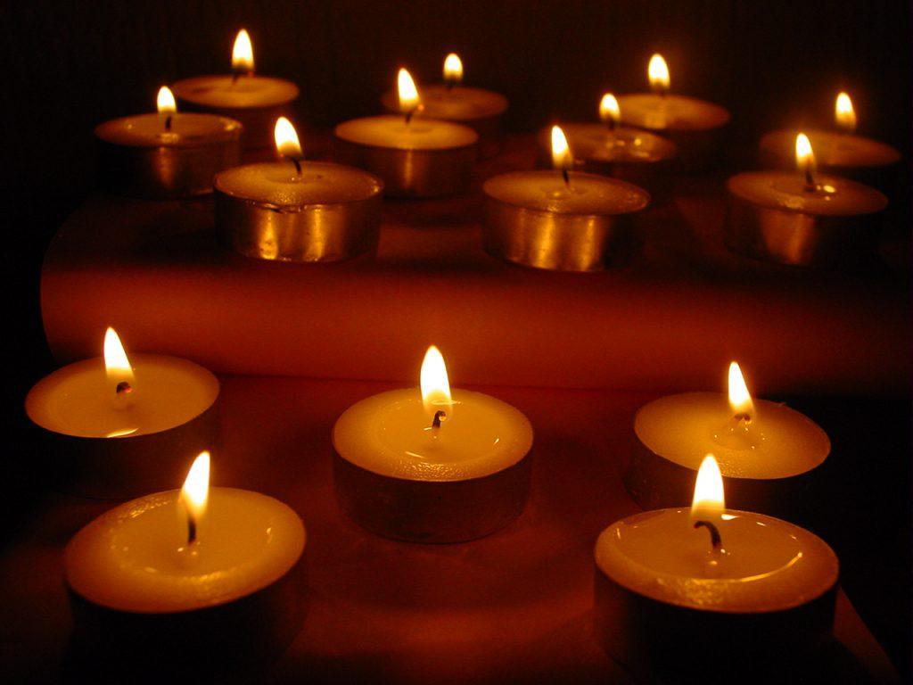 Žvakių šviesa fokuse