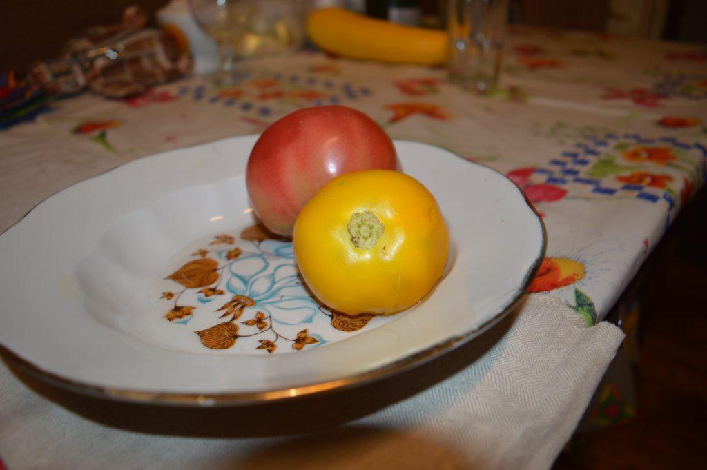 Geltonas pomidoras