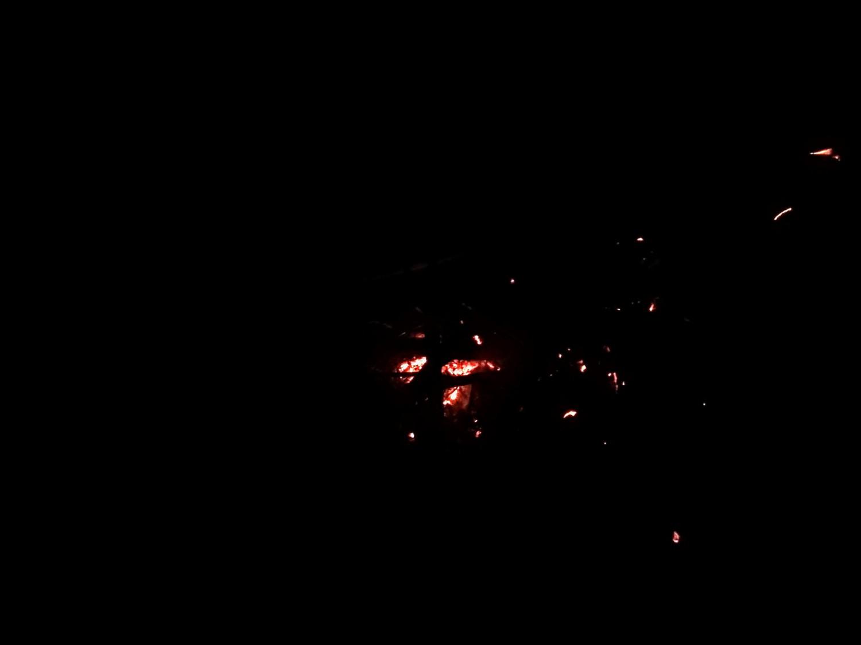 Laužas tamsoje